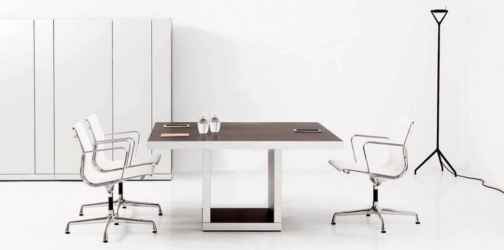 ¿Cuál es el mobiliario apropiado para salas de reuniones?