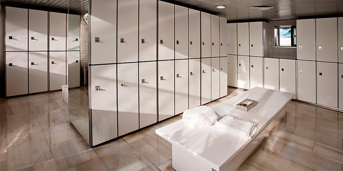 Equipamiento de vestuarios en oficinas
